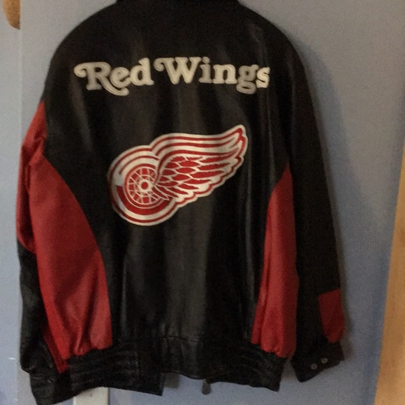 25fc97f8c93 Detroit Red Wings Leather Bomber Jacket. M 5a5a4f928290afdb594d8758